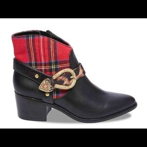 Betsey Wilma ankle boot plaid New